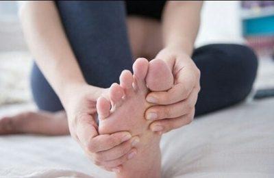 cách xoa bóp bàn chân