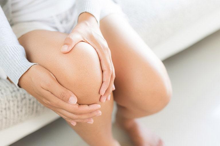 đau khớp gối sau sinh